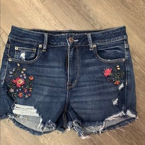 America Eagle distressed Floral embroidered Shorts
